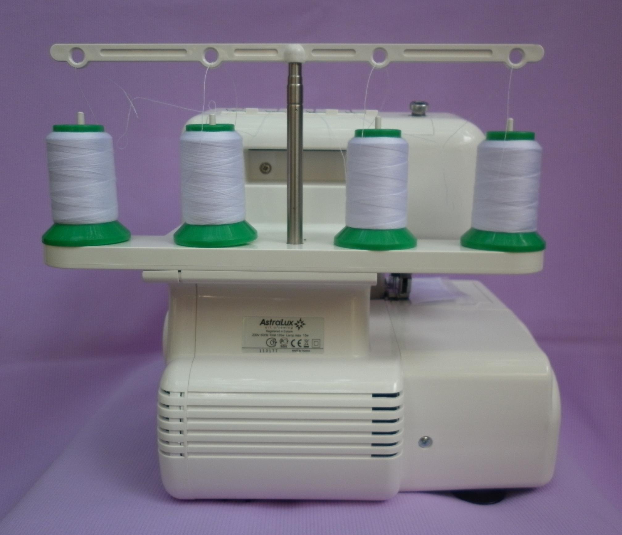Оверлок ASTRALUX 822 D ( машина швейная, краеобмёточно - стачивающая ), устройство мачты под катушки, приндительное охлаждение электропривода.